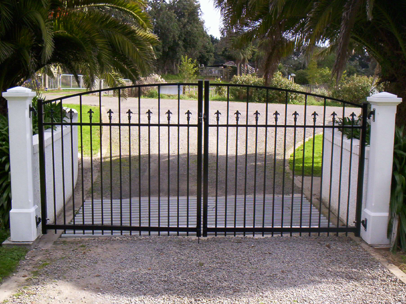 Residential gates and fences pw automatic security