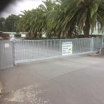 C721 Cantilevered Gate